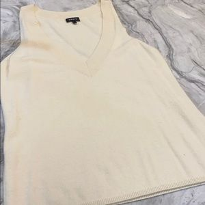 Akris women's cashmere sleeveless deepv US